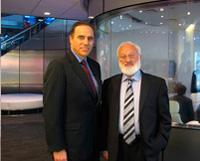 """Интервью с Майком Шнейдером, ведущим программы """"Ночной разговор"""" на Bloomberg TV"""