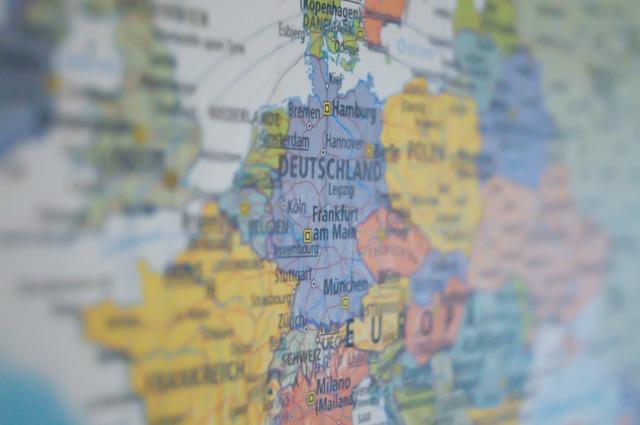 """""""מדינות אירופה מתקדמות בצעדים ענקיים לכיוון לאומני והאיחוד האירופי נמצא בסכנת הכחדה"""""""