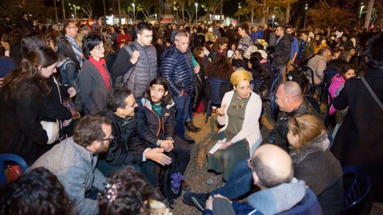 I cerchi di connessione del Movimento Arvut, nei quali le persone di tutte le provenienze ed opinioni, si siedono insieme trovando un'unione che non potevano neanche sognare.