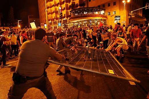протесты против ограничений