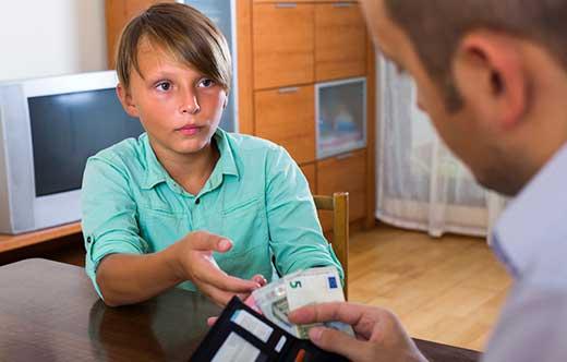 дети хотят лишь денег